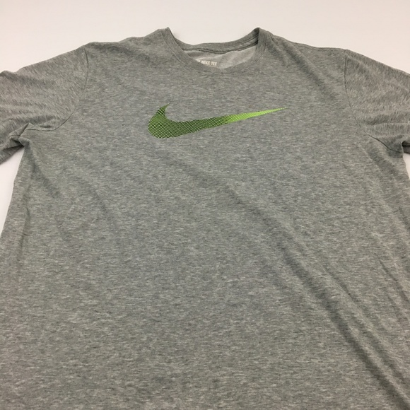 aa1c6442bf885 Nike Tee Graphic T Shirt Swoosh Gym Dri Fit XL